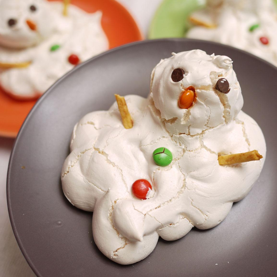 12 Weeks of Christmas Cookies, Week #5 Mr. Meringue Frosty ...