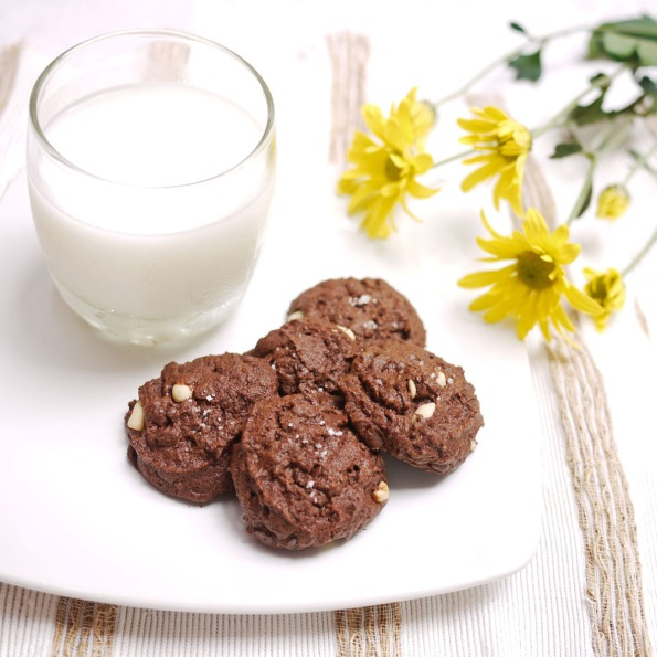 Salted Double Chocolate Peanut Butter Cookies | Crustabakes
