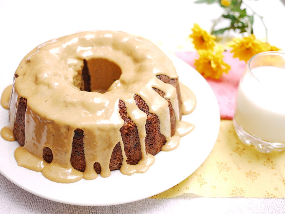 Brown Sugar and Chocolate Chip Bundt Cake with Maple Espresso Glaze ...