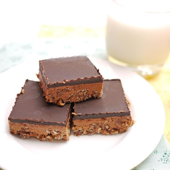 Peanut Butter Crispy Bars | Crustabakes