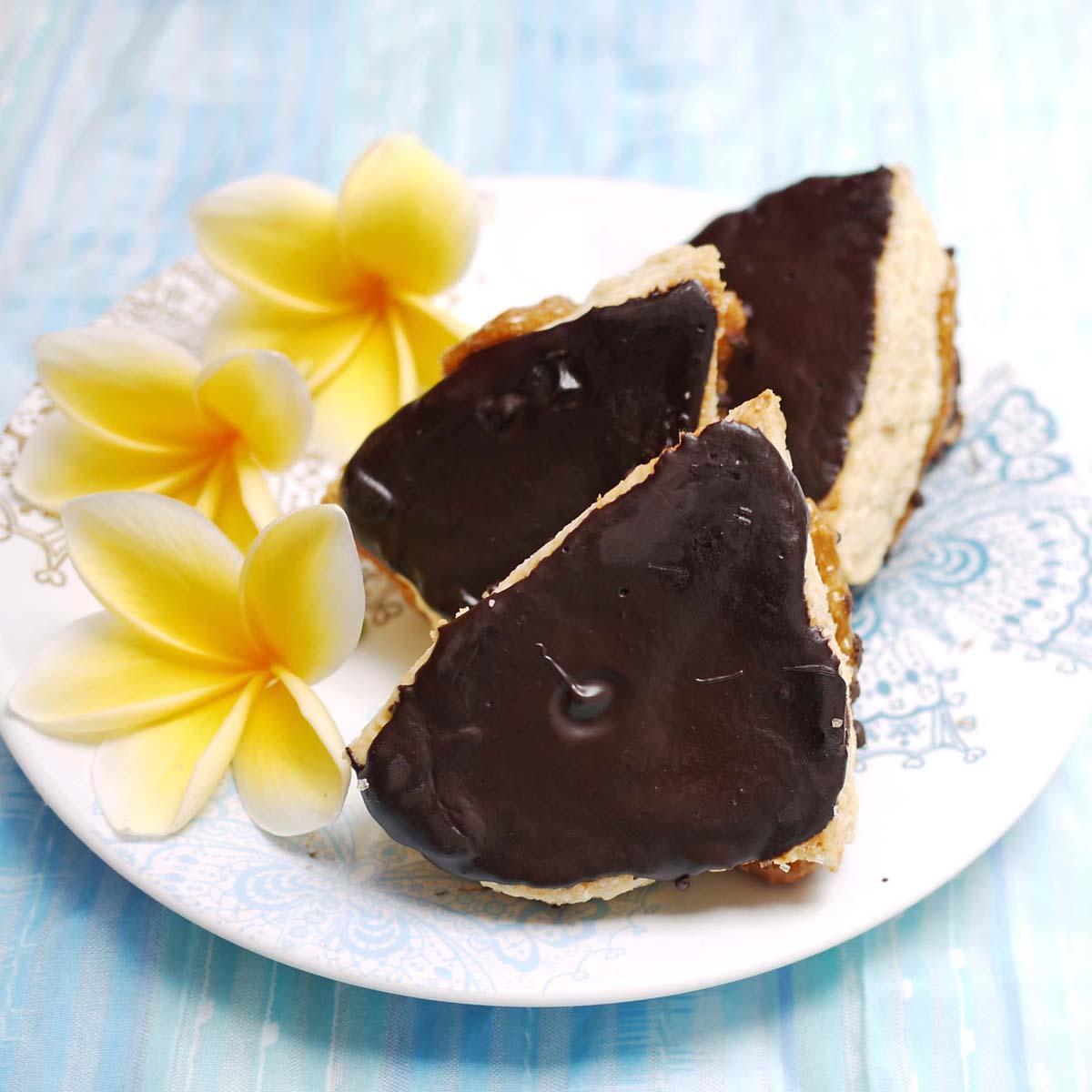 Samoas Scones | Crustabakes