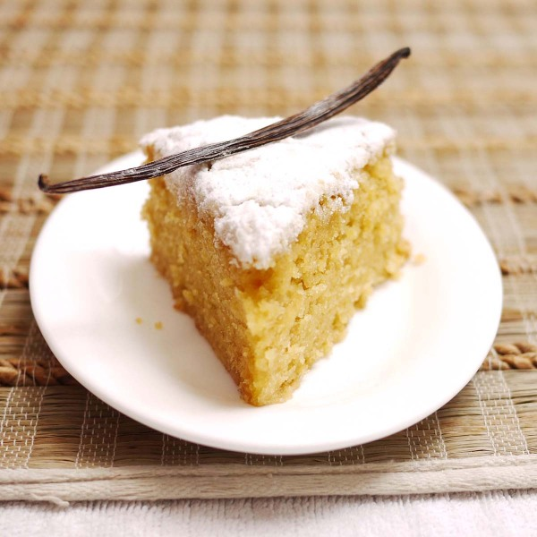 Very Vanilla One Bowl Cake | Crustabakes