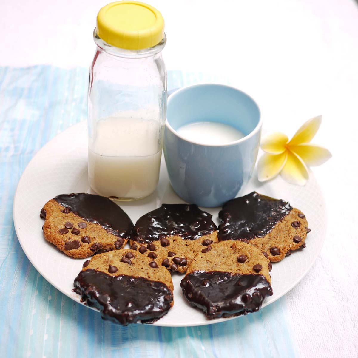 Ganache Dipped Chocolate Chip Cookies   Crustabakes
