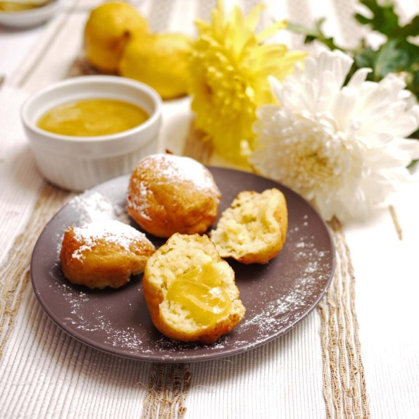Vanilla Ricotta Fritters with Lemon Curd | Crustabakes