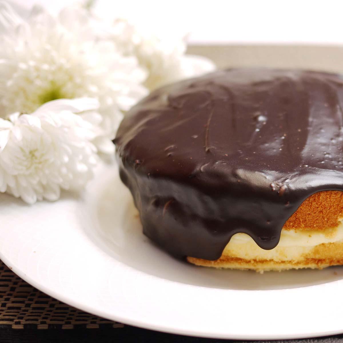 Boston Cream Pie | Crustabakes