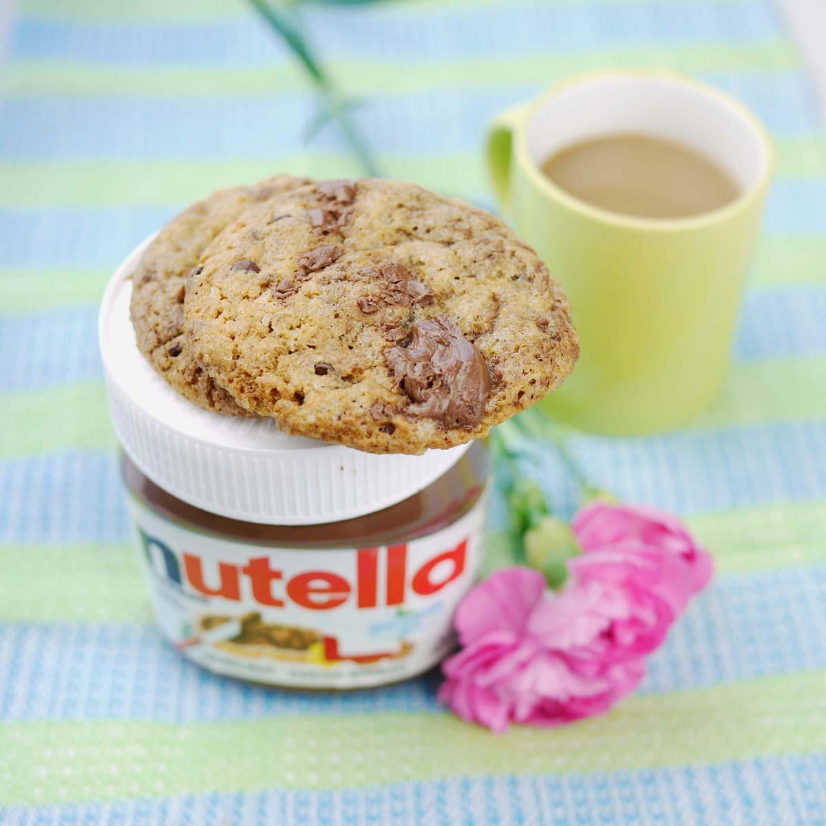 Nutella Chocolate Chip Cookies | Crustabakes