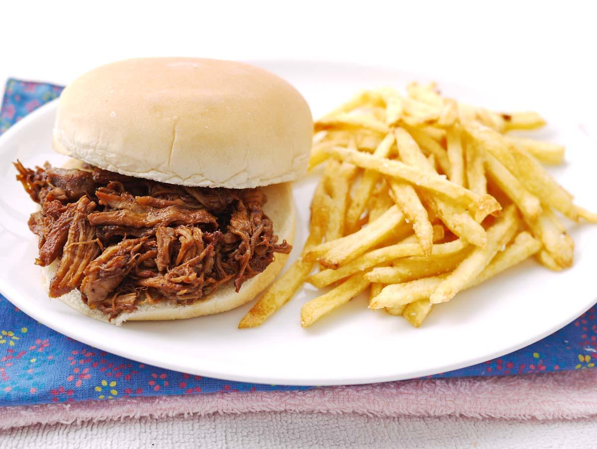 Pulled Pork Sandwich | Crustabakes