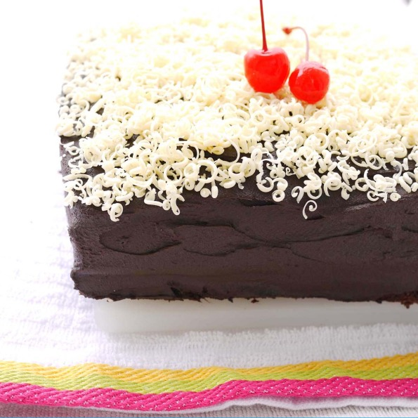 Chocolate Sheet Cake & Sour Cream Chocolate Frosting | Crustabakes