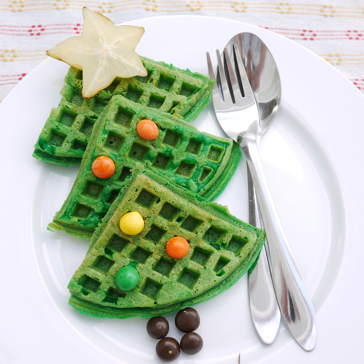 Christmas tree waffles crustabakes