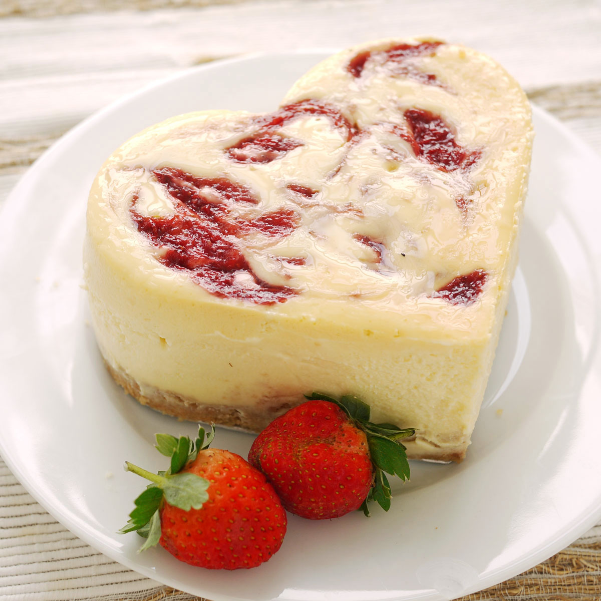 Strawberry Swirl Cheesecake | Crustabakes