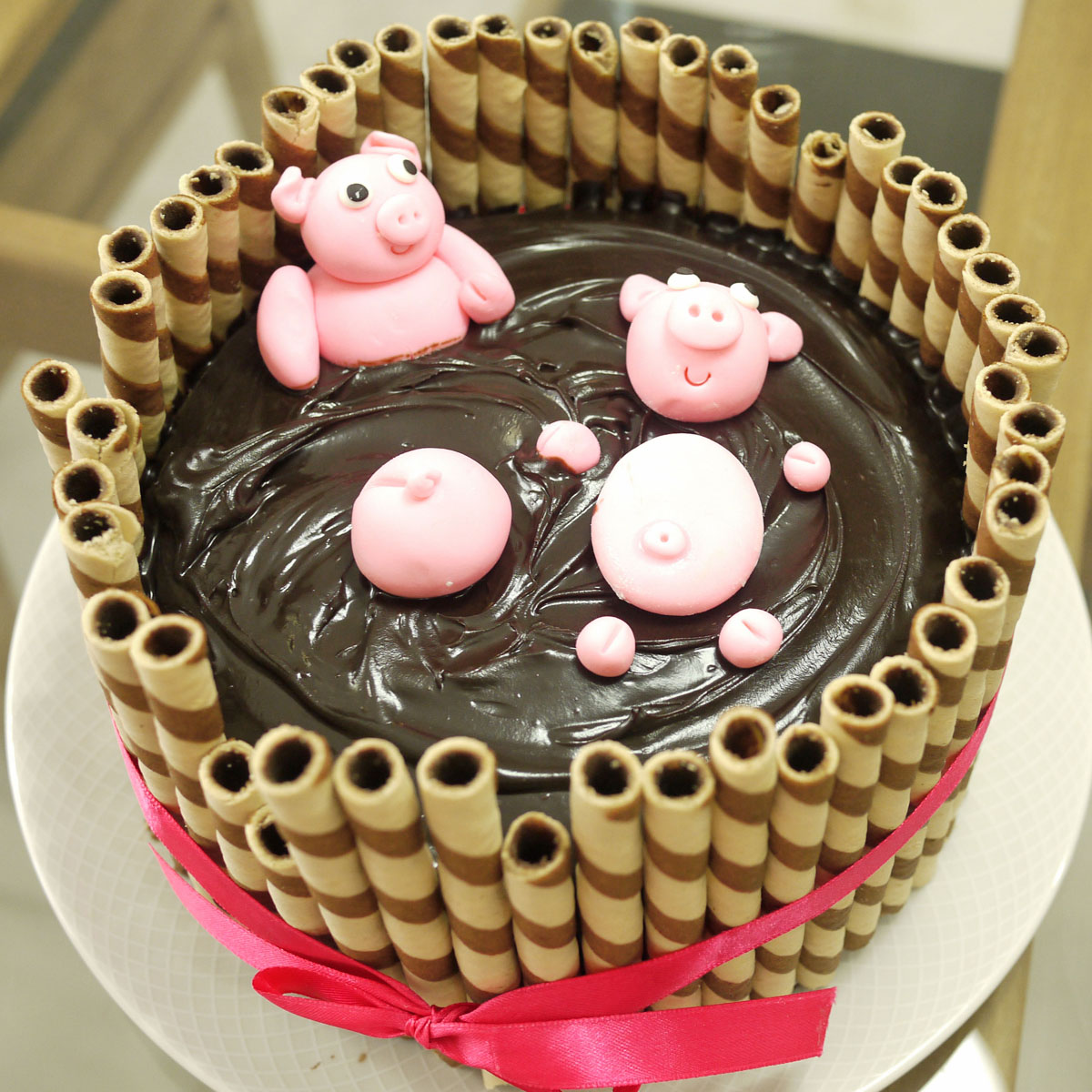 Pigs chillin in Mud Cake Crustabakes