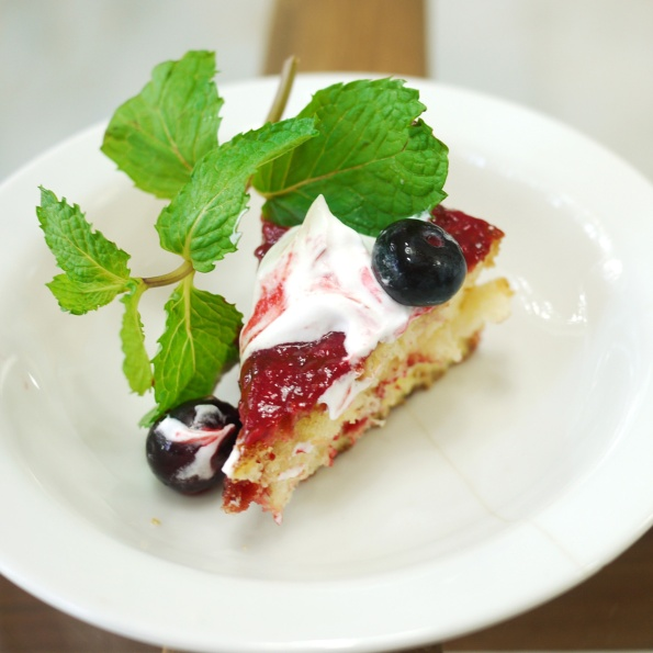 french toast with berry sauce 2